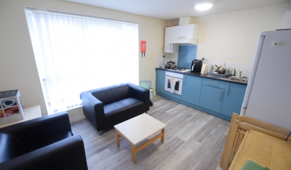 Brayford Court - ONE ROOM AVAILABLE NOW 1